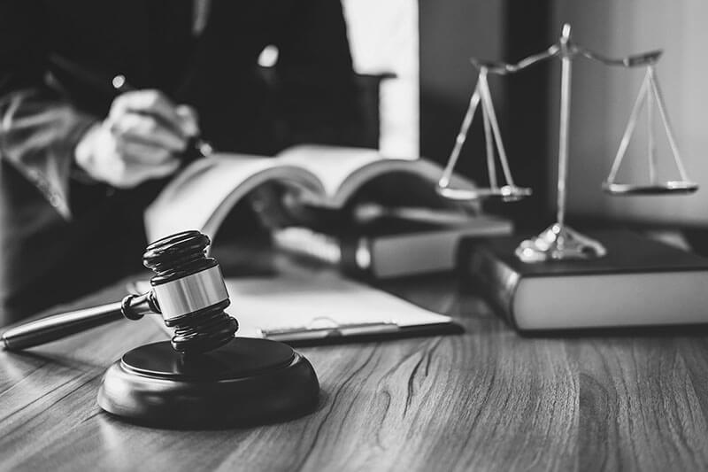 How Lawyers Negotiate Personal Injury Settlements